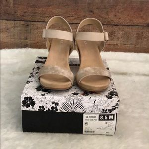 CL by Laundry size 8.5 Trish Rose gold sandal
